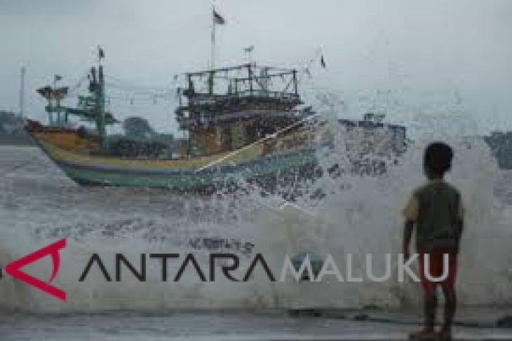 BMKG waspadai gelombang tinggi laut Maluku