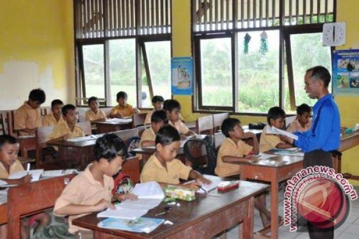 Pemkab Penajam naikan gaji guru honorer Rp2-Rp2,5 Juta