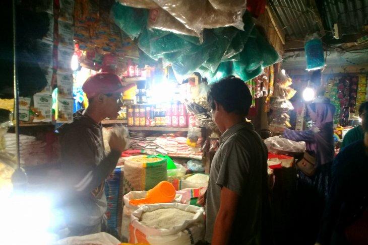 Harga beras antarpulau di Ambon stabil