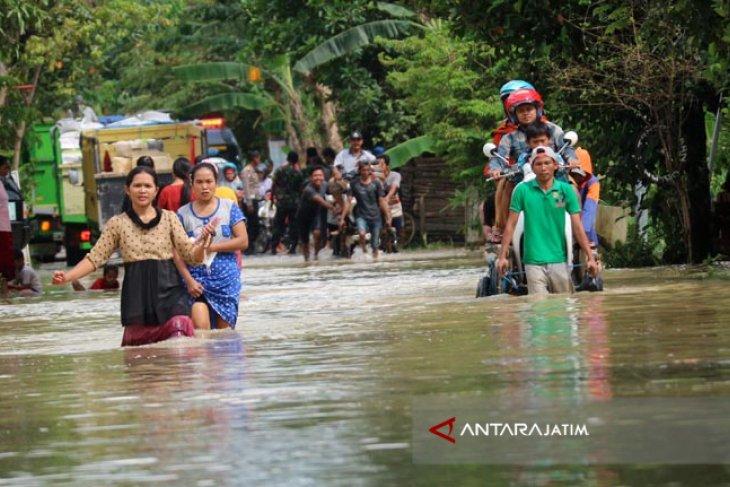 Foto Kolase Banjir Lagi Banjir Lagi Landa Jawa Timur Antara