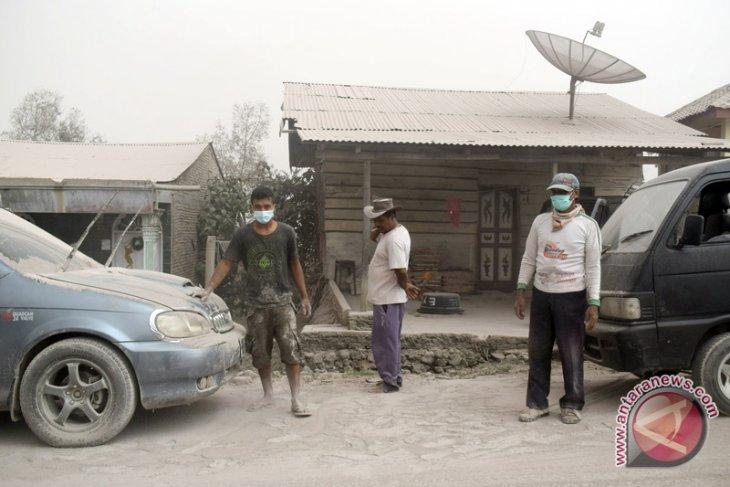 Debu vulkanik Gunung Sinabung cemari udara di Aceh Tenggara