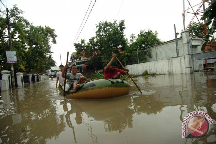 Foto Kemarin: Tegal Masih Terendam Banjir