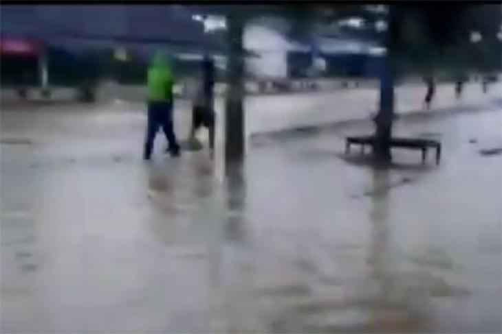 Banjir rendam sejumlah ruas jalan di Bandarlampung