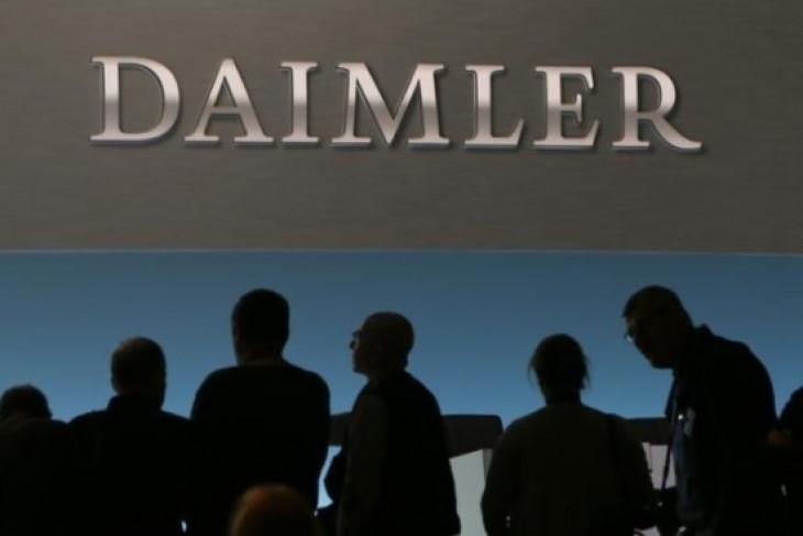 Saham Daimler rontok, Bursa Jerman turun 0,64 persen