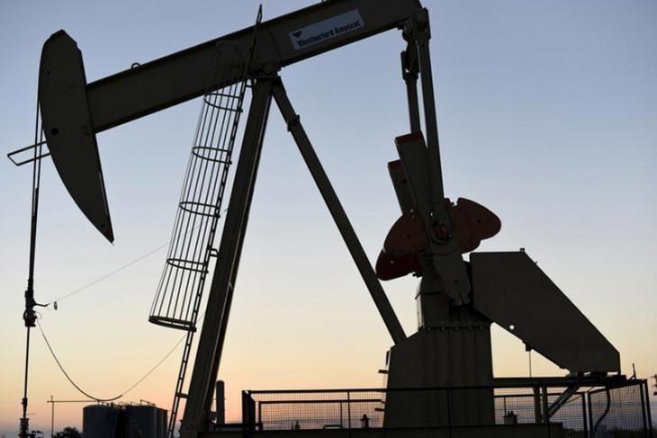 Harga minyak jatuh karena Libya