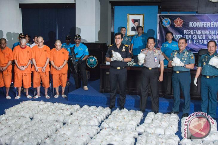 Tersangka sabu 1,6 ton coba suap petugas
