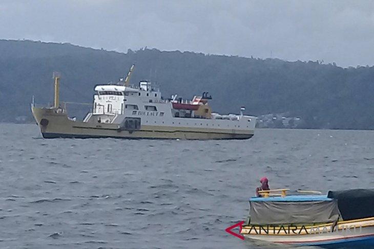Menhub  tol laut harus angkut ikan Maluku
