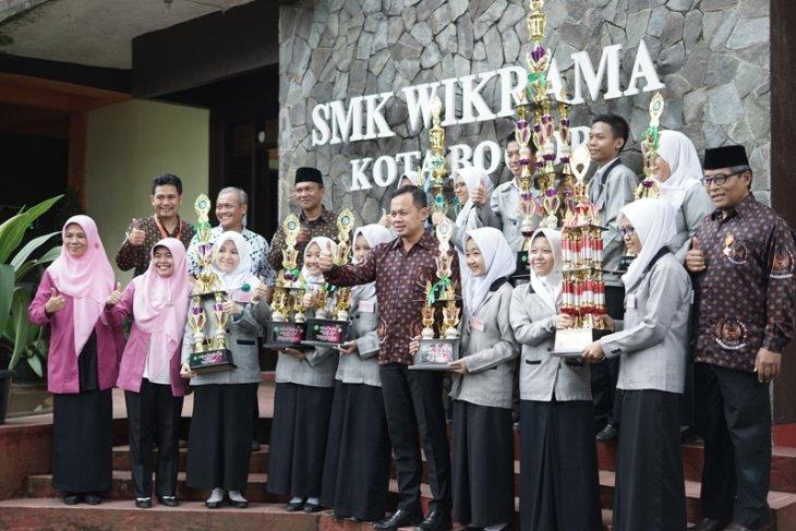 Jurus jitu Bima cegah anak putus sekolah di Bogor