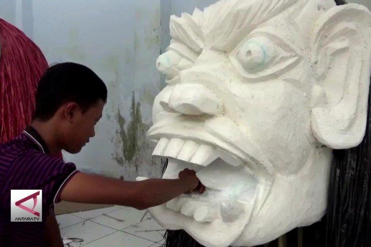 Pembuatan Ogoh-Ogoh, potret kerukunan bangsa di Jember