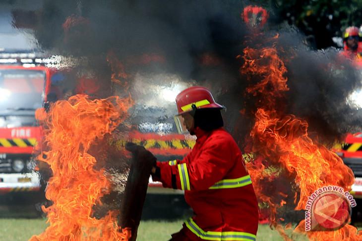 Kebakaran landa kawasan padat penduduk di Matraman