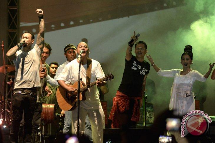 Konser peluncuran album kedua Antrabez