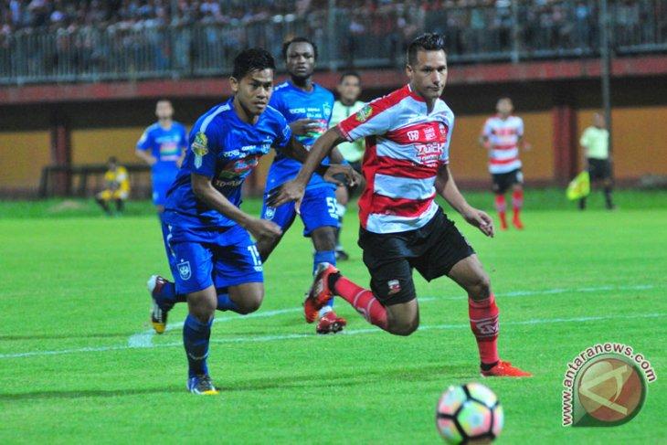 Madura United akan uji coba lawan Persipura