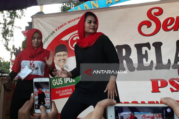Puti Senam Kabeh Sedulur Bersama Warga Sumenep (Video)