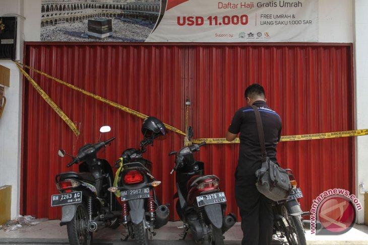 Kantor Abu tours Pekanbaru disegel