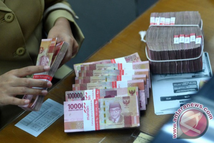 Government backs BI to intervene in rupiah`s exchange rate