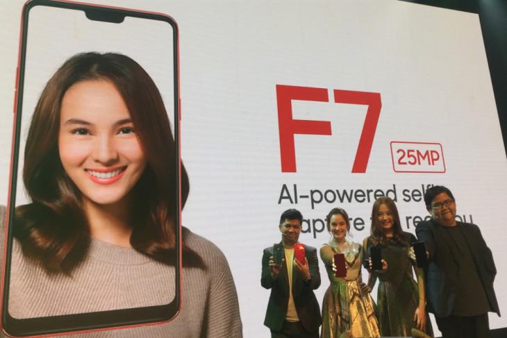 Oppo resmikan smartphone selfie Oppo F7