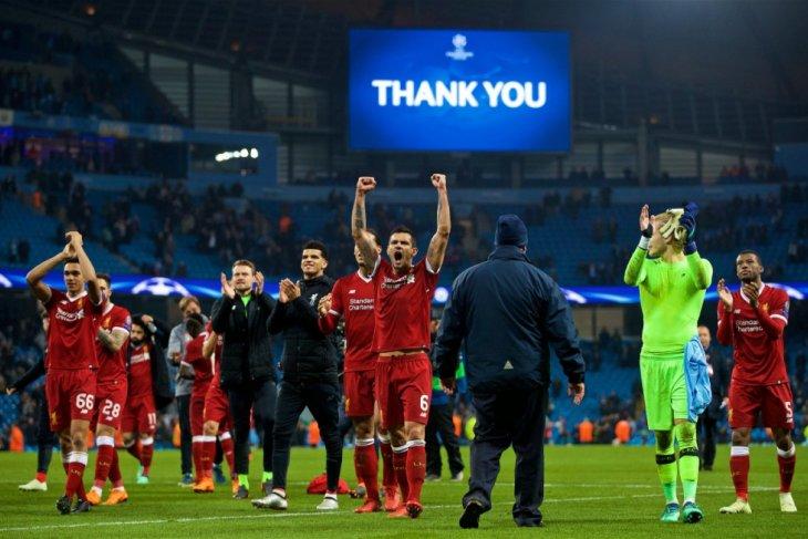 Hebat, Liverpool berakhir tahun denan puncaki klasemen Liga Inggris