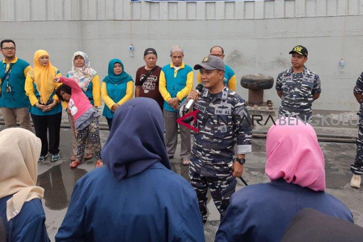Lanal Bengkulu turunkan KAL Mego tertibkan trawl