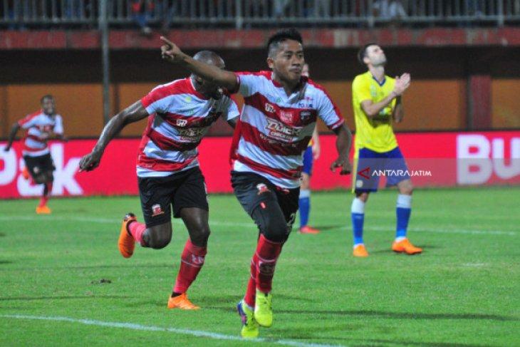 Madura United merasa diuntungkan absennya Lerby