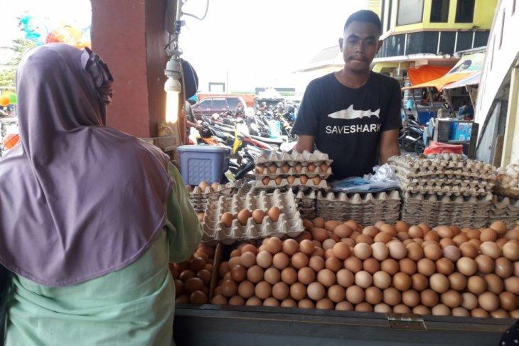 Harga telur ayam ras di Ternate melonjak