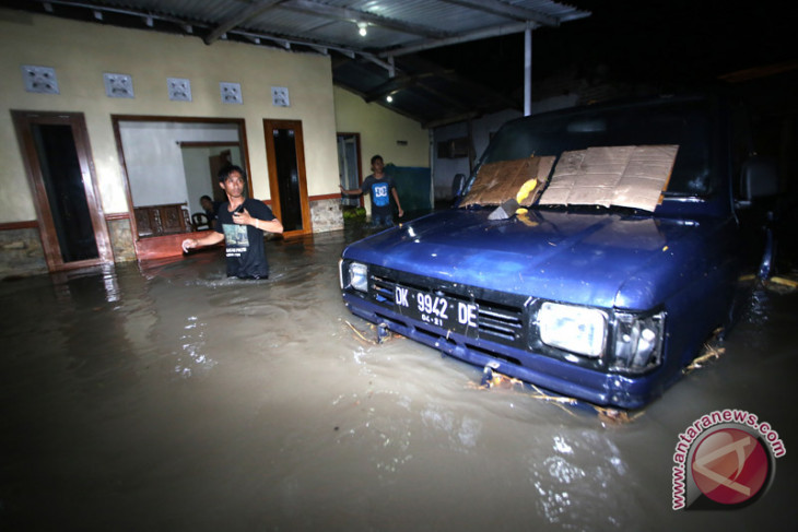 Antisipasi banjir susulan, Sungai Pangkua dikeruk
