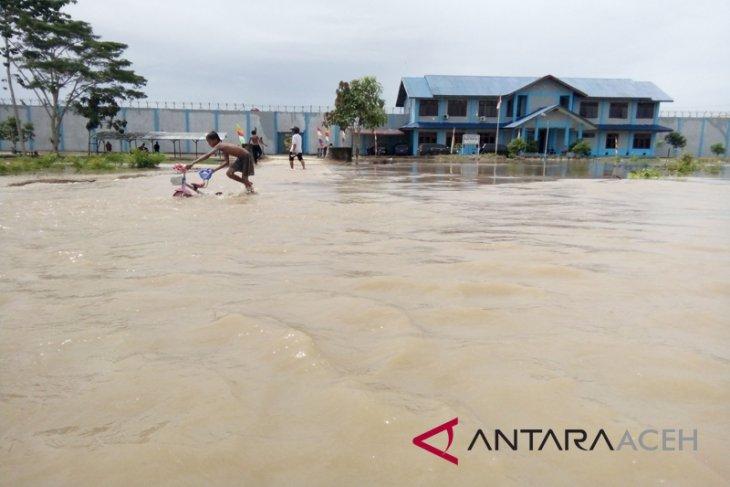 12 desa di Singkil masih terendam banjir