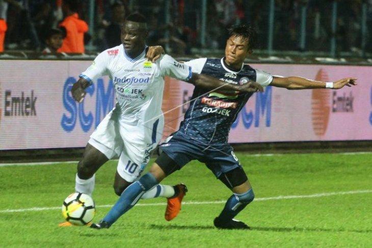 Tiga pemain asing Persib disanksi tak boleh bertanding