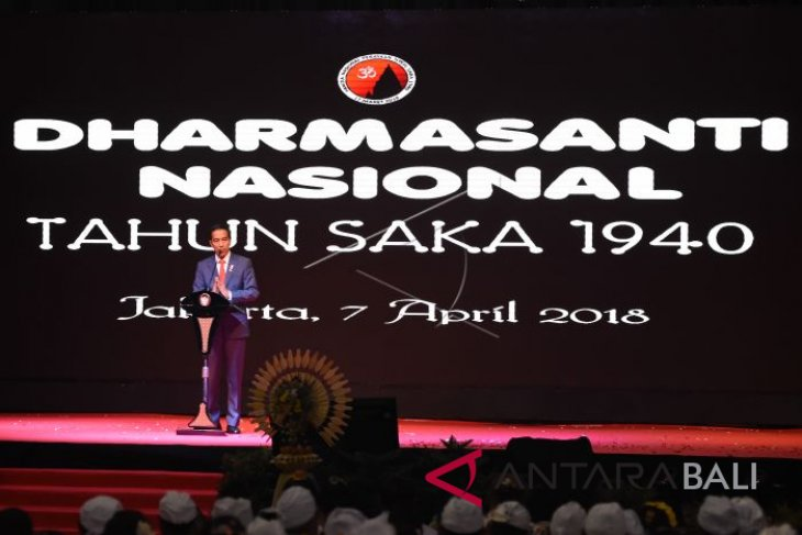 Presiden Hadiri Dharma Santi Nasional