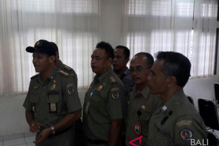 Satpol PP Denpasar segel proyek bangunan vila