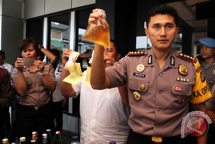Langkah Bekasi setelah tujuh warganya tewas akibat miras oplosan