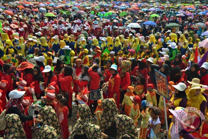 Karnaval sosialisasi Raudatul Athfal