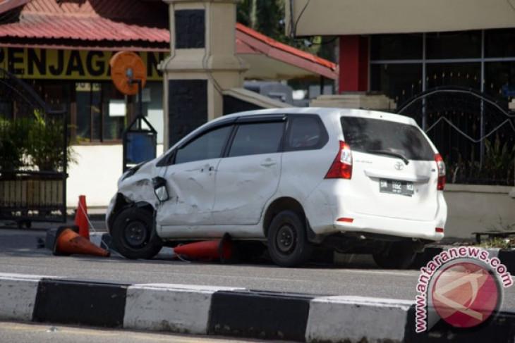 Mobil teroris Riau diperiksa, ada rangkaian kabel di dalamnya