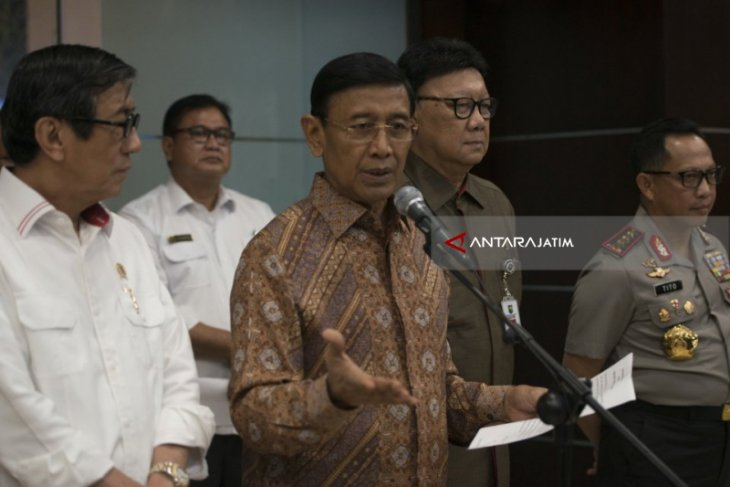 Menkopolhukam: Jangan Ributkan Bom di Rumah Komisioner KPK