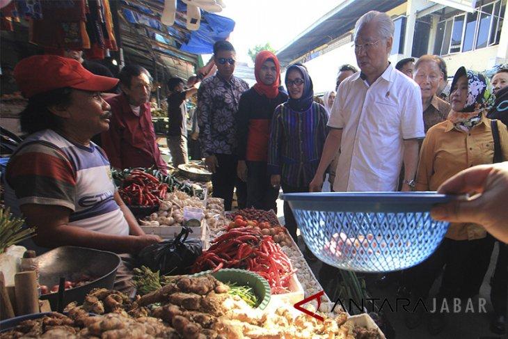 Mendag kunjungi pasar Kanoman