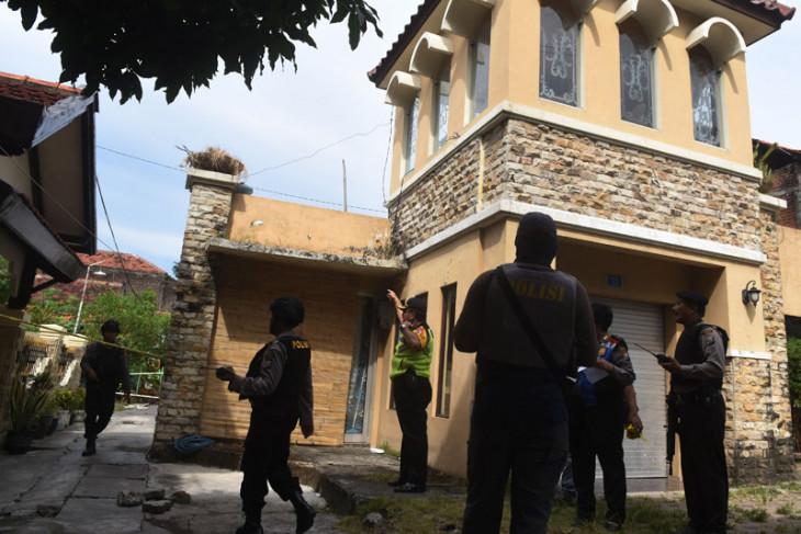 Densus 88 gerebek rumah terduga teroris di Mojokerto