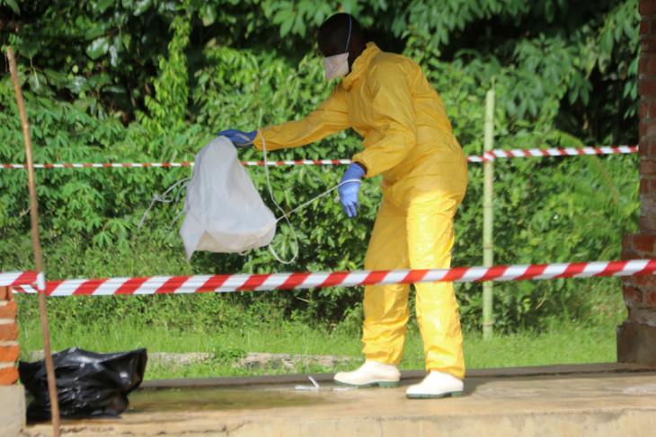 Vaksin ebola tiba saat wabah di Kongo
