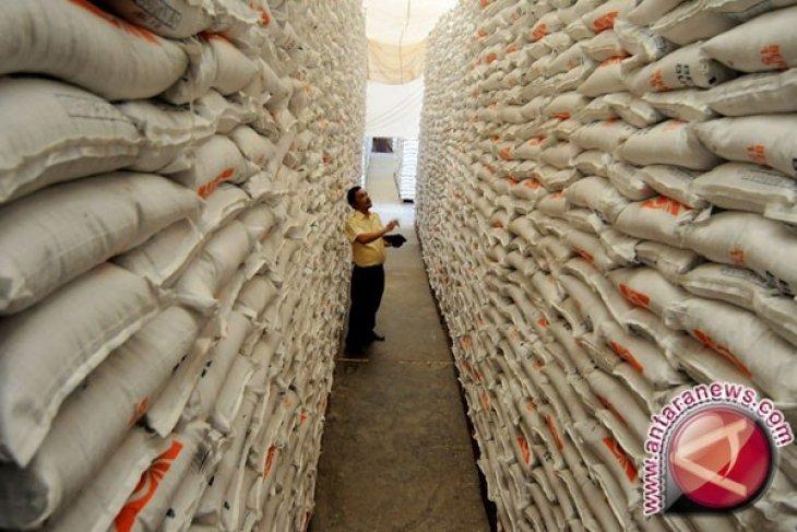 Bulog Karawang-Bekasi targetkan serap beras 23 ribu ton