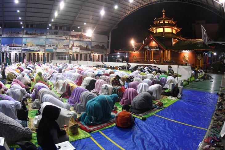Tarawih Pertama Surabaya