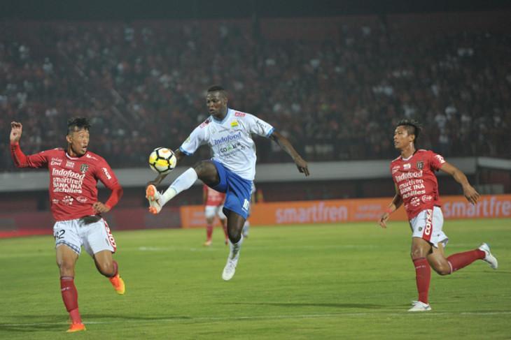 Bali United lawan Persib