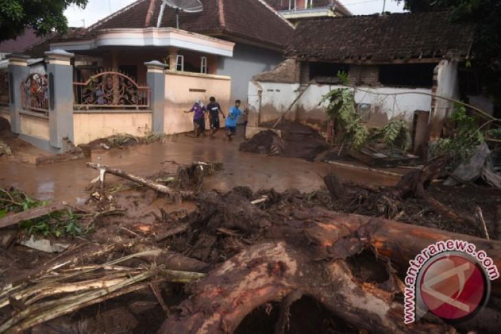 Banjir Banyuwangi akibatkan 415 rumah rusak
