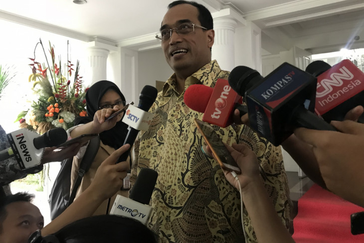 Return flow of Lebaran travelers smooth: Minister