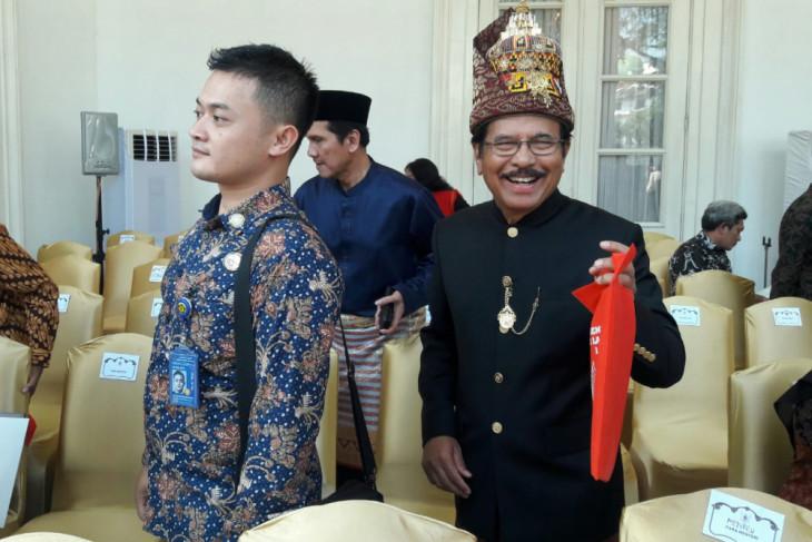 Gambar Pakaian Adat Dki Jakarta - Baju Adat Tradisional