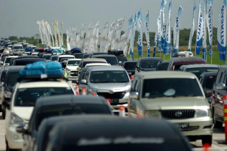 Sebanyak 82.000 kendaraan diprediksi lewati Tol Jakarta-Cikampek di H-1