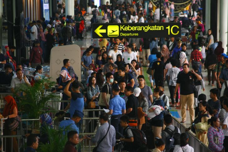 Pergerakan pesawat di Soekarno-Hatta tumbuh 4,5 persen