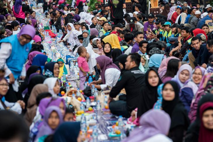 Ribuan muslim-non muslim