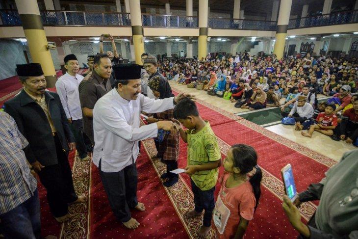 Pembagian Zakat Fitrah Bandung