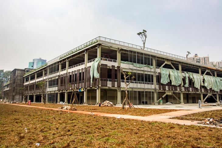 Pembangunan gedung parkir pintar