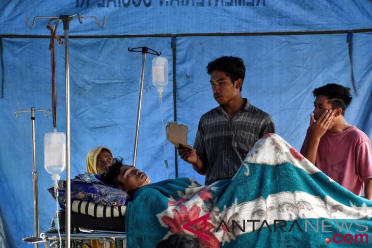 Korban gempa NTB sementara dirawat di tenda pengungsian