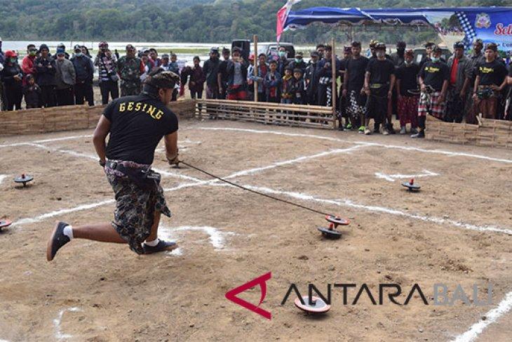 Buleleng Lestarikan Gasing lewat Lomba Permainan Tradisional