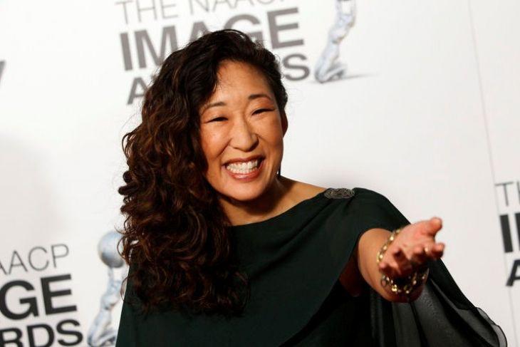 Sandra Oh orang  Asia pertama yang masuk nominasi aktris utama Emmy Awards